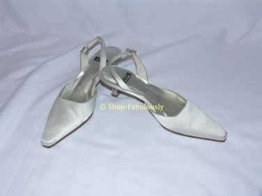 New Authentic STUART WEITZMAN Bridal White Satin CRYSTAL Slingback Pumps Shoes 5 35 - FREE US Ship