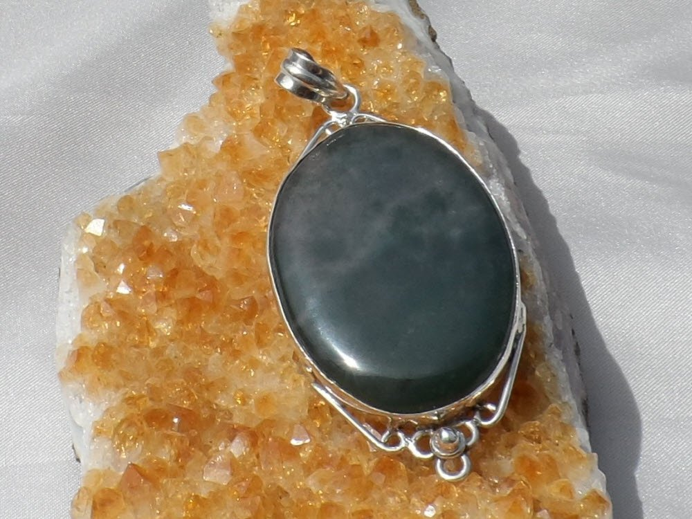 Sale, Green Moss Agate Sterling Silver Pendant, Handcrafted, New wo tag