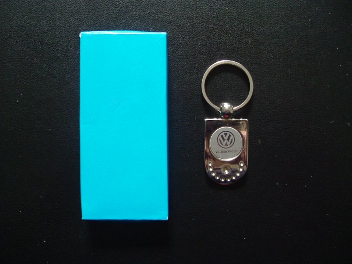VW VOLKSWAGEN POLISHED STEEL KEY RING IN MODERN STYLISH DESIGN DESIGN