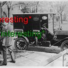 """1912 """"UNITED MAIL"""" MAILMAN EMPTYING MAILBOX=(8X10) ANTIQUE OLD CAR RP PHOTO"""