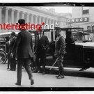 UNIDENTIFIED MAN-BLACK/WHITE PHOTO IN 1921 MOTORCAR =(8X10) ANTIQUE CAR RP PHOTO
