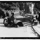 CAR WRECK/CRASH IN 1919..WHEEL MISSING :ANTIQUE AUTOMOBILE PHOTO (8x10)