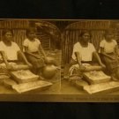 ORIGINAL STEREOVIEW ANTIQUE CARD ART: KEYSTONE: GRINDING CORN IN EL SALVADOR