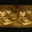 ORIGINAL STEREOVIEW ANTIQUE CARD ART: KEYSTONE: GRINDING CORN IN EL SALVADOR