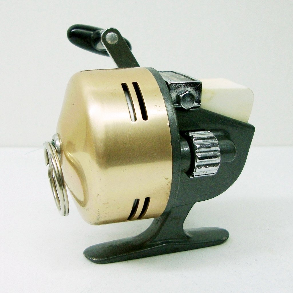 vintage 1970 s fishing reel crown planet med size