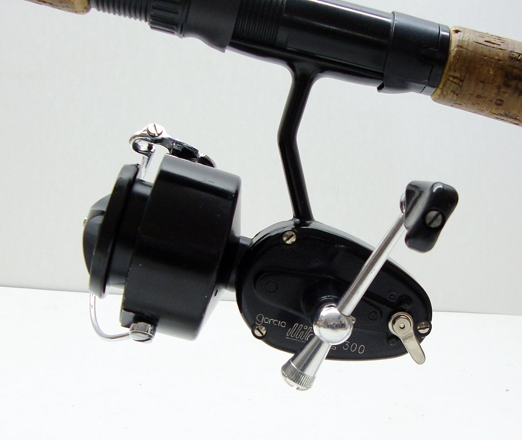 Garcia mitchell 300 spinning fishing reel foot 9605088 for Mitchell 300 fishing reel