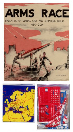 rare ARMS RACE - Simulation of Global War 'Cold' 1950-2001 Casciano 1976 Wargaming VG punched