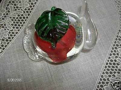 RED ROSE PAPERWEIGHT ORNAMENTAL  TEA POT SHAPE