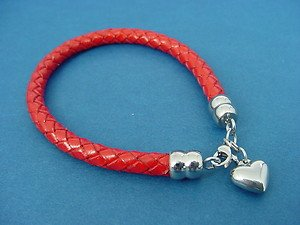 round red leather bracelet with stainless steel heart charm and lobster lock 714