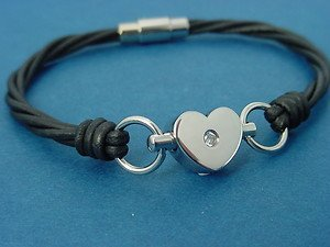 ladies leather bracelet with heart charm in stainless steel magnetic lock 715