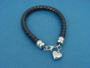 round black leather bracelet with s.steel heart charm and lobster lock 713