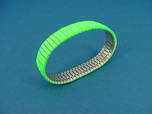 stainless steel expansion bracelet in shiny green color 736