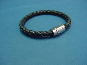 genuine leather bracelet bangle in black with magnetic lock 025
