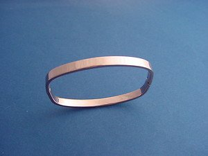 stainless steel square bangle in ion plated rose gold color 409