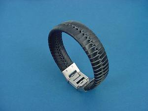 genuine leather bracelet in black with two stainless steel locks 639