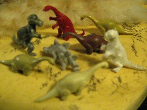 VINTAGE 1950'S COLLECTION OF DINOSAURS, VERY RARE. MINT CONDITION.