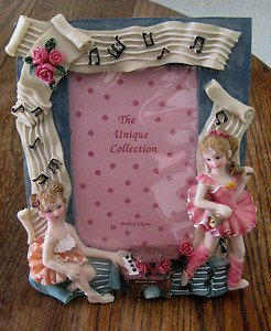 "UNIQUE COLLECTION'S ""PORCELAIN DOLL"" PHOTO FRAME.  SPECIAL HOLIDAY GIFT! NEW!"