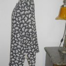 Chaus Shirt Size 12 Black White Floral CareerTop Short Sleeves Used Excellent