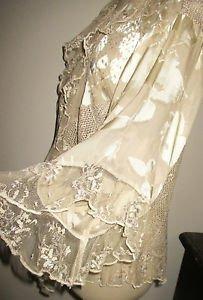 Spencer Alexis Size M Top Gold Color Lace Sparkly Evening Festive Embellished