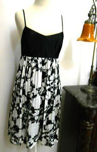 BCBG Silk Dress Sze 2 Black White Floral Empire Waist Feather Light Excellt Used