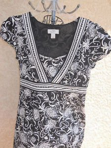 Ann Taylor LOFT Dress Size 4 Cap Sleeve Black White Flower Floral Mid Calf