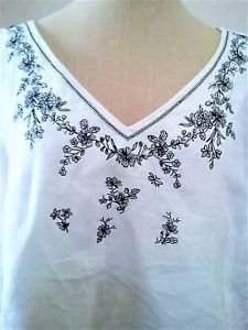MAGGIE 1X Linen Tank Top White Black Floral Embroidery Excellent Used