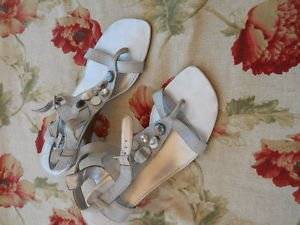 Ana Sandals 9 M Shoes Strappy Champagne Metallic Genuine Leather Ankle Strap EUC