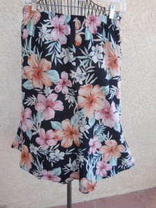 Size 22W Skirt Tropical Flowers Hawaii Polyester Black White Pink Floral Used