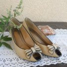 Life Stride 9.5 M Shoe Peep Toe Pumps Bow Canvas And Leather Bow Great Used