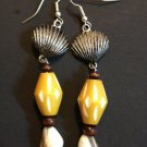 Beaded hang earrings with silver sea shell