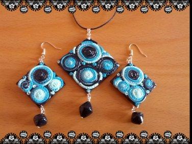 Pendant & earrings matching set