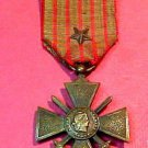 French World War 1 Medal Croix du Guerre 1914-1918 with Regiment Star