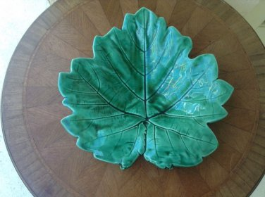 Sarreguemines Majolica Green Leaf plate from France