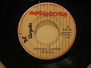 "PAT BENATAR peru 45 INVINCIBLE 7"" Rock PROMO/WHITE LABEL CHRYSALIS"