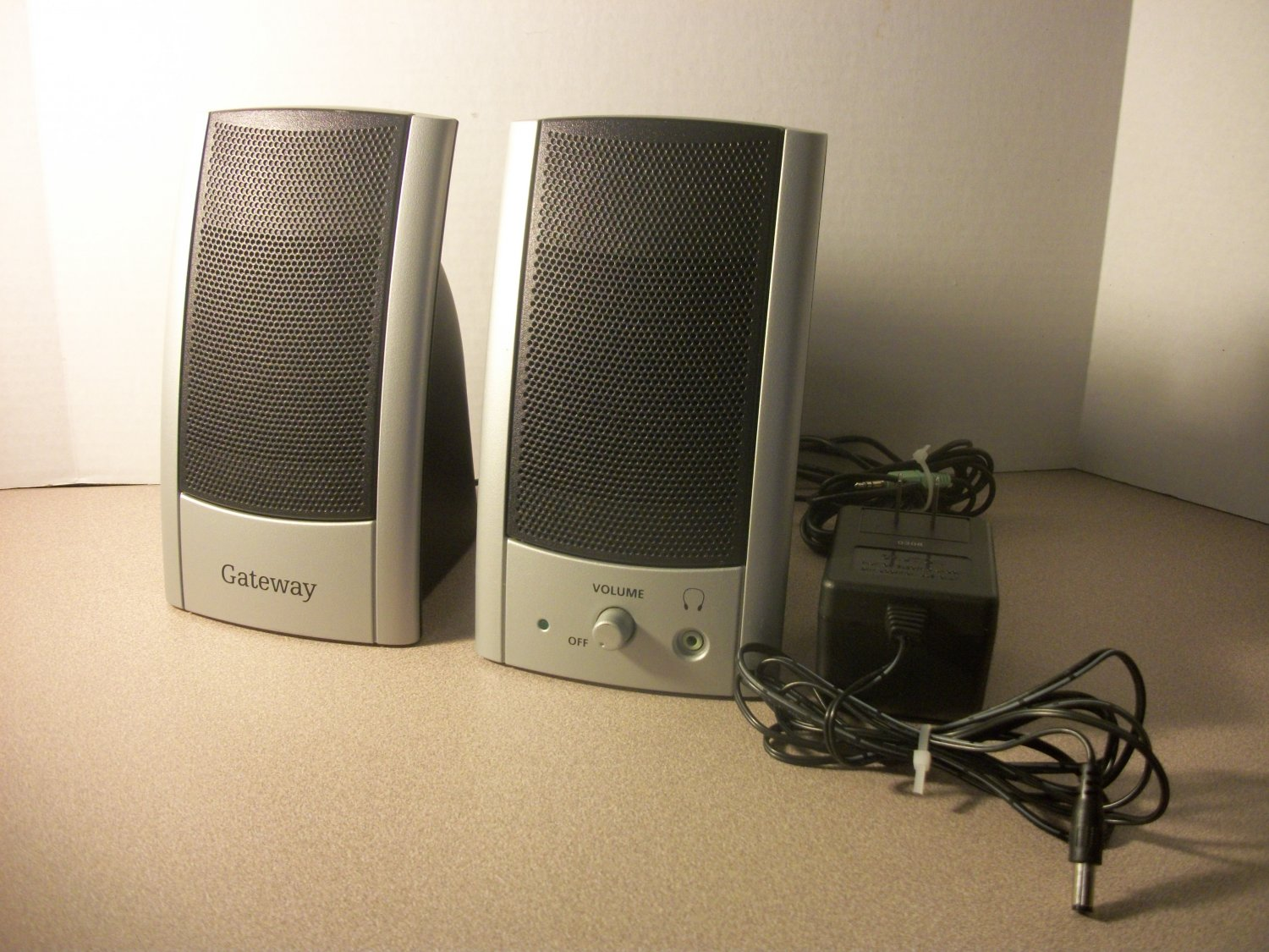 Gateway Edison2.0 by Diamond Audio PC Computer Speakers (7004408) *USED*