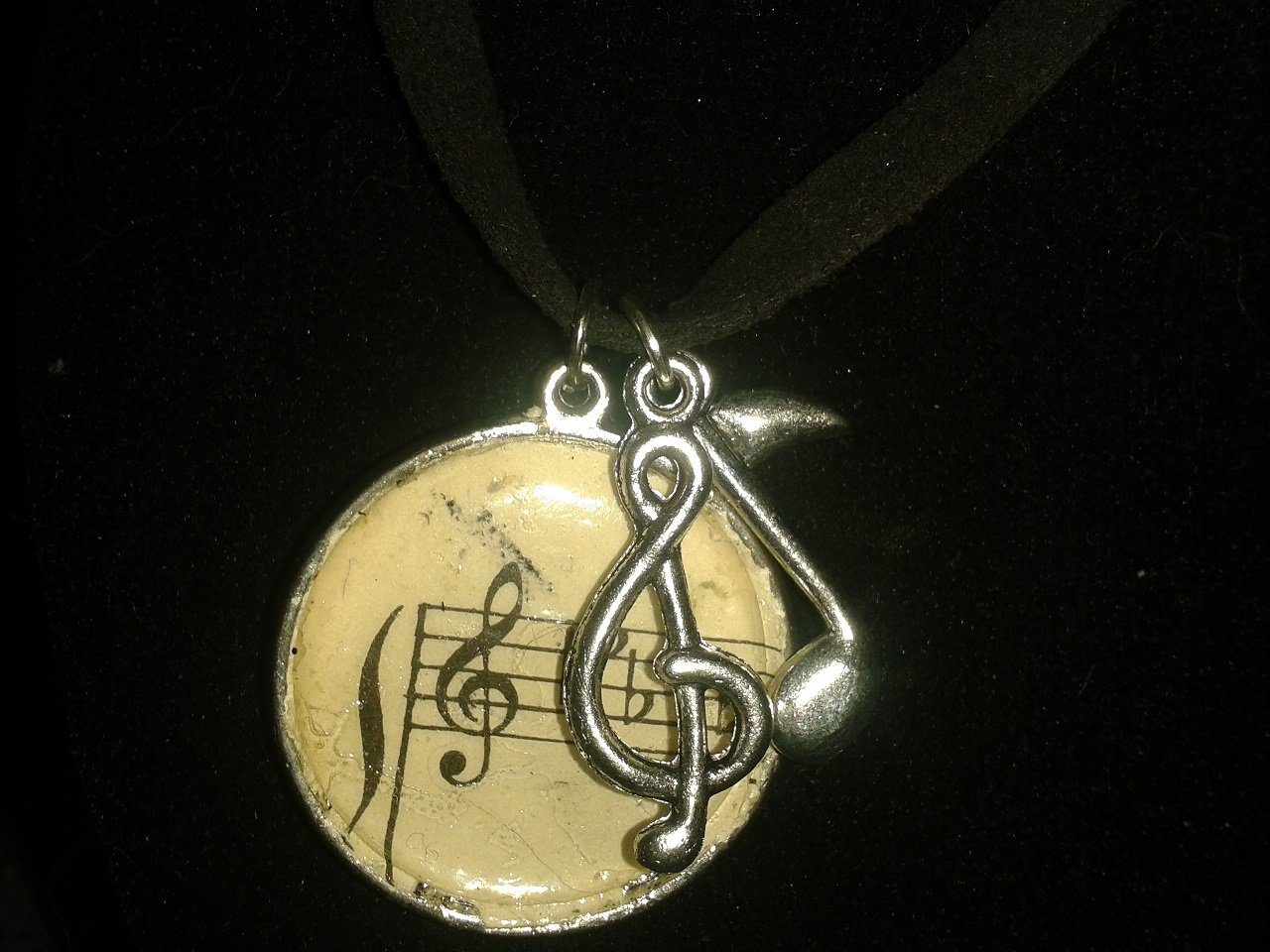 Music necklace.....