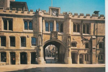 Stonebow & Guildhall Lincoln  Postcard. Mauritron PC397-213589