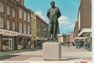 Elgar Statue Worcester Postcard. Mauritron PC447-213842