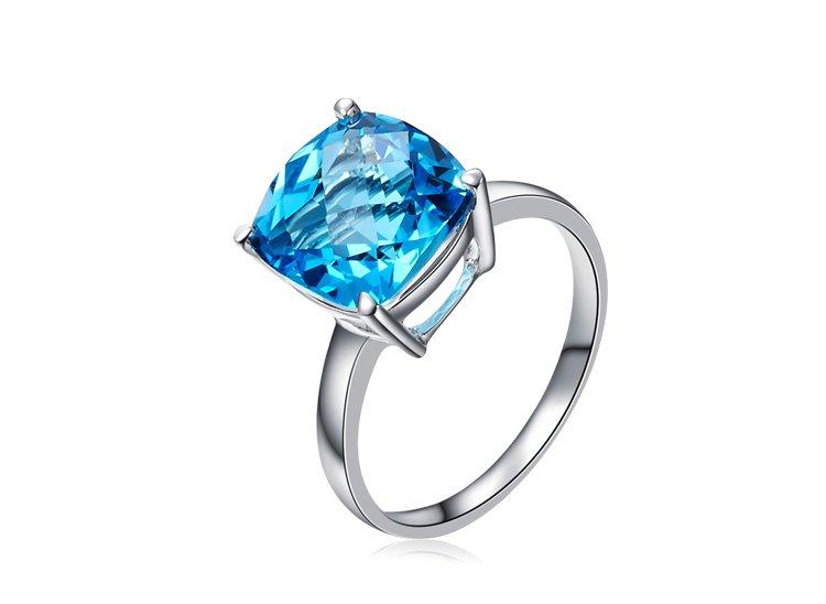 Natural 4.1ct Blue topaz 14K white gold rings