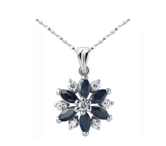 Natural sapphire flower shape silver pendant
