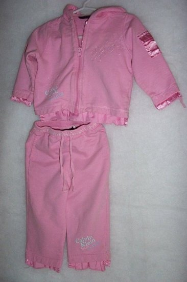 CALVIN KLEIN TODDLER GIRL - 2 PIECE JOGGING SET - SIZE 18 MONTHS - FREE SHIPPING