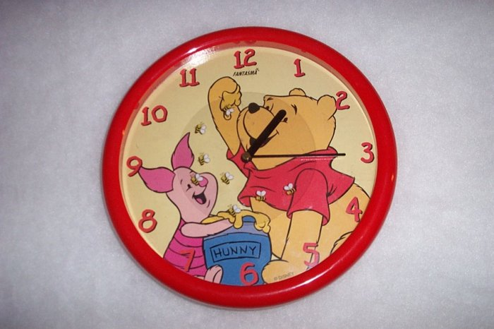 WINNIE THE POOH CLOCK!! FREE SHIPPING