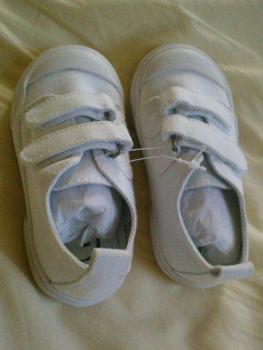 New GYMBOREE Sneakers SHOES Sz 7 Boys White Velcro