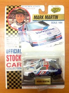 NEW IN PACKAGE NASCAR MARK MARTIN Valvoline 1992 Road Champs 1/64 scale