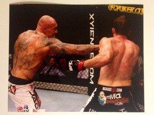 UFC MMA KRZYSZTOF SOSZYNSKI punches Bonnar 8x10 photo