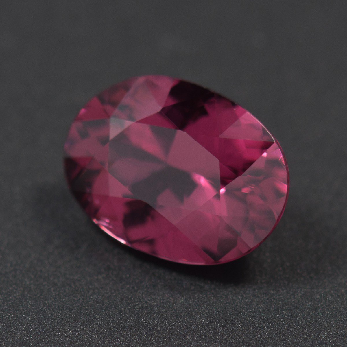 Certified Natural Rhodolite AAA Quality 6x8 mm Faceted oval 1 pc