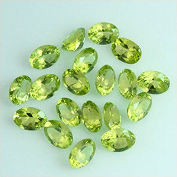 Natural Peridot 6x4mm Faceted  Cut Oval 25 Pieces Calibrated Size  Loose Gemstone