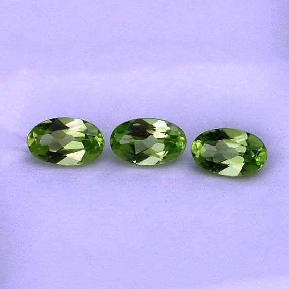 Natural Peridot 8x10mm Faceted  Cut Oval 25 Pieces Calibrated Size  Loose Gemstone