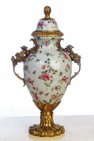 FLORAL PORCELAIN HAND PAINTED URN WITH LID AND ANTIQUE ROSES SHAPED BRASS, BRAND NEW!