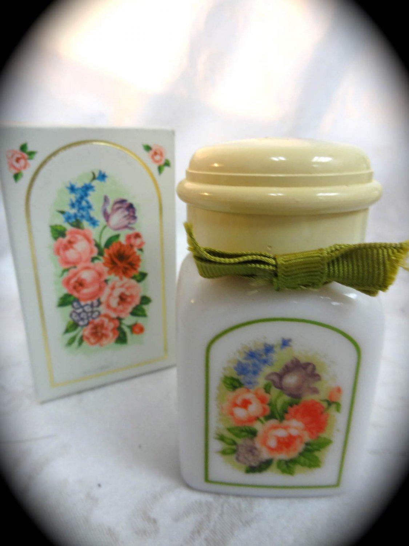 Avon Country Garden Elusive Powder Sachet Decanter